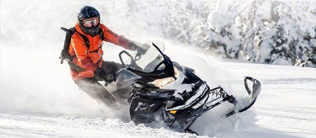 2017 Ski-Doo Renegade Backcountry